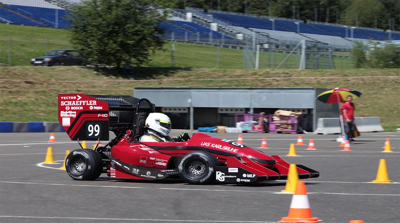 B+B Bei Formula Student Am Start